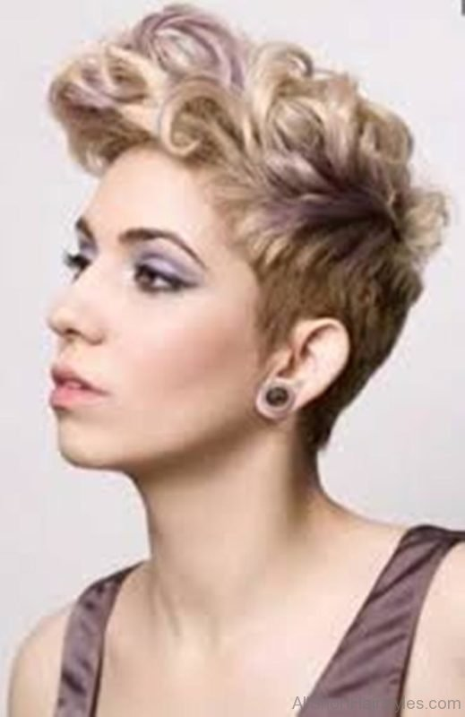 Short Hairstyles For Curly Hair Women 89